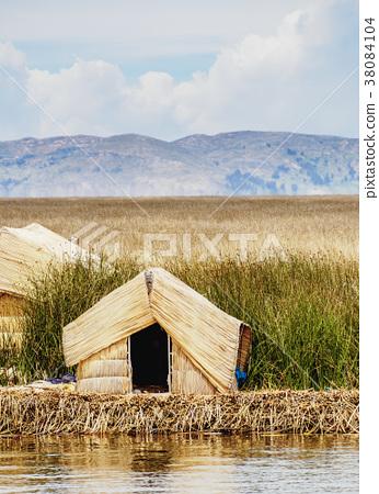 Uros Islands on Lake Titicaca in Peru 38084104