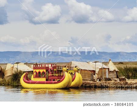 Uros Islands on Lake Titicaca in Peru 38084105
