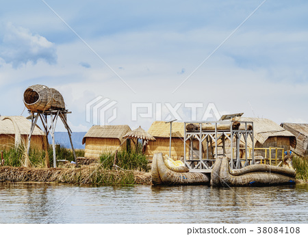 Uros Islands on Lake Titicaca in Peru 38084108