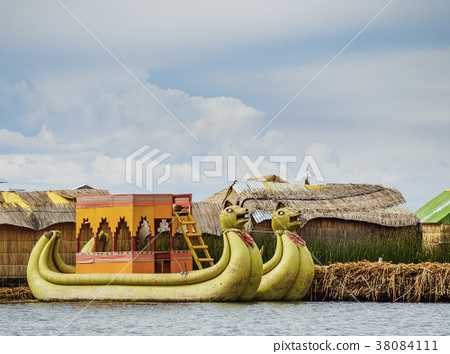 Uros Islands on Lake Titicaca in Peru 38084111