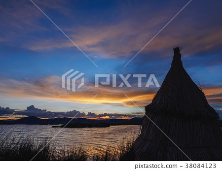 Uros Islands on Lake Titicaca in Peru 38084123