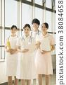 医院的微笑的护士 38084658