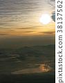 从富士山的山顶看日出和山中湖 38137562