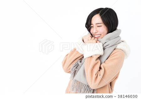 Woman wearing a coat 38146030