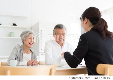 老年人 夫婦 一對 38171645