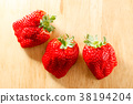 strawberries, strawberry, fruit 38194204