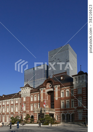 tokyo station, marunouchi, blue sky 38216623