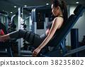 健身房腿压机器女人 38235802