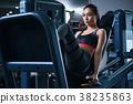 健身房腿壓機器女人 38235863