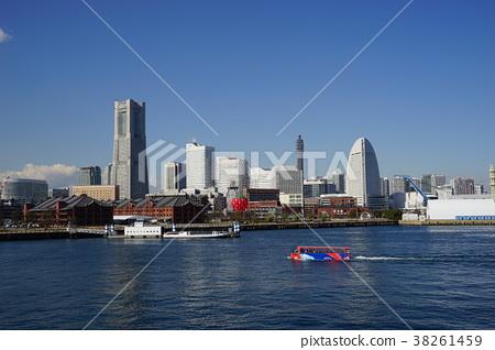 2月橫濱136橫濱地標塔,熱氣球和兩棲巴士 38261459