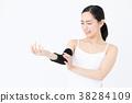 근육 트레이닝을하는 여자 흰색 배경 이미지 38284109