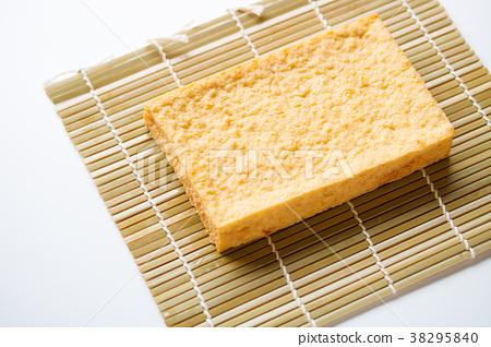 Deep-fried tofu 38295840
