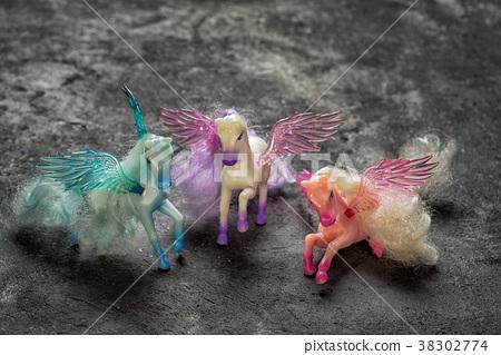 three pegasus horse toys 38302774