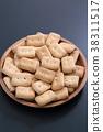Bread 38311517