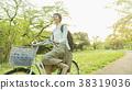 자전거를 타는 여성 38319036