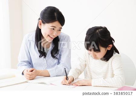 교육 부모 교사 숙제 공부 선생님 아이 38385017