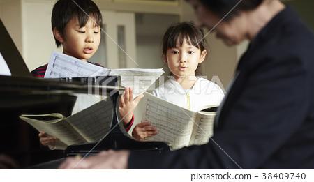 小學生 學生 國中生 38409740