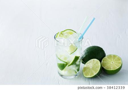 莱姆 酸橙 酒 38412339