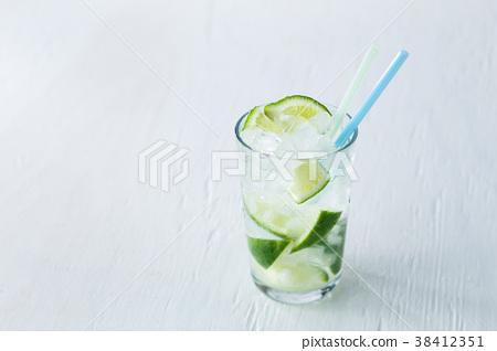莱姆 酸橙 酒 38412351