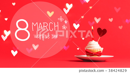 Women's Day message with cupcake and heart 38424829