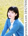 年輕的女士 38427606