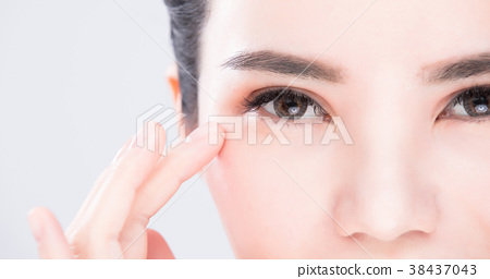 beauty skin care concept 38437043