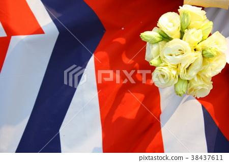 玫瑰花在彩色的野餐墊上 38437611