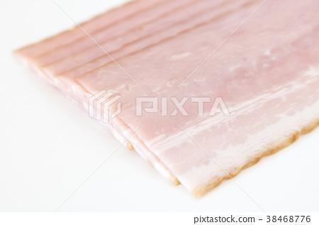 Cut bacon 38468776