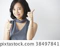 女模特的姿勢 38497841
