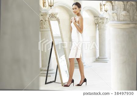 女裝打扮 38497930
