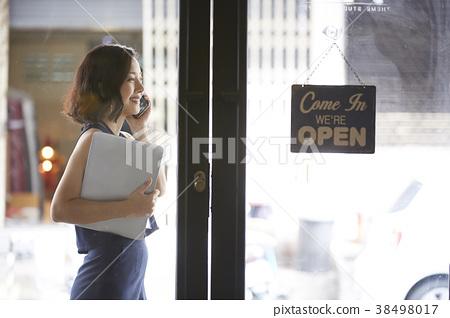 女人商务咖啡馆 38498017