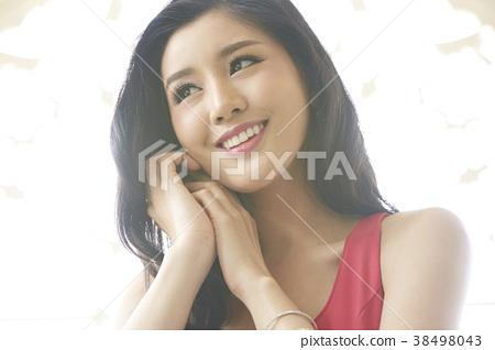 女性美的形象 38498043