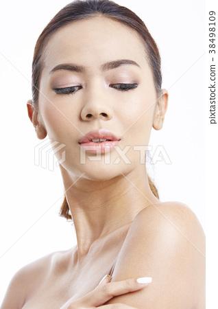 成熟的女人 一個年輕成年女性 女生 38498109