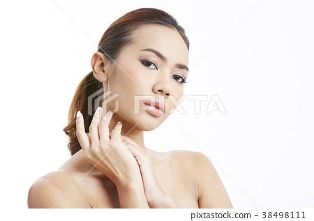 成熟的女人 一個年輕成年女性 女生 38498111
