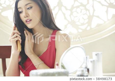 女性美的形象 38498173