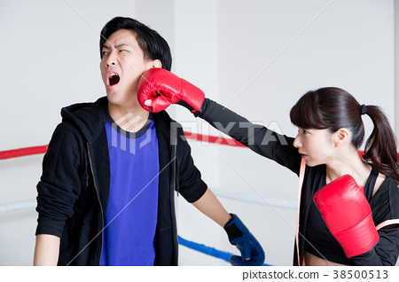 Young men and women (boxing) 38500513