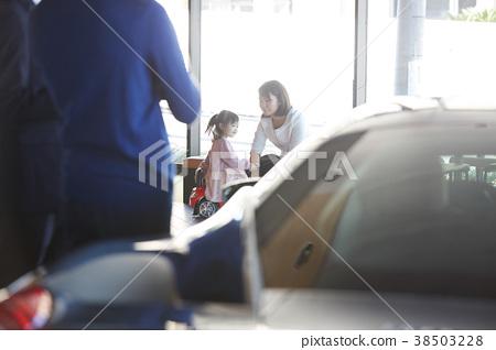 汽車經銷商 家人 爸爸 38503228