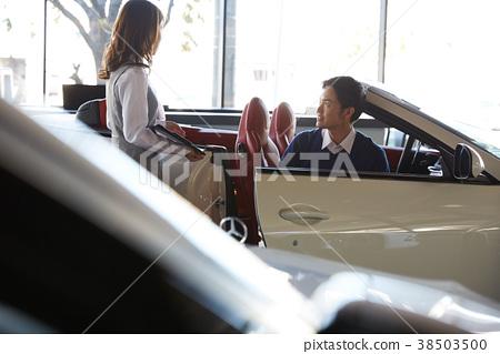 汽車經銷商服務豪華車男 38503500