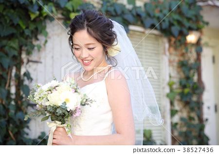 可愛的新娘 38527436