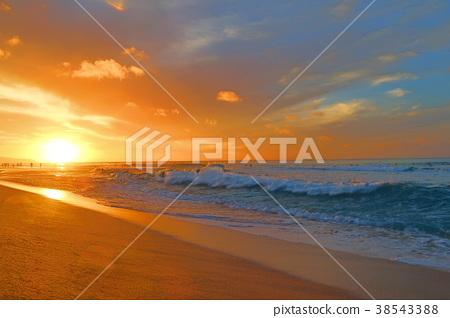 Sunset glow in Hawaii 38543388