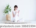 젊은 여성 (스마트 폰) 38665994