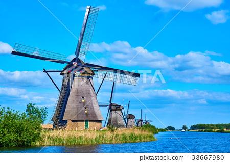 荷蘭小孩堤防風車 38667980