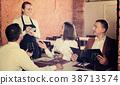 waitress, taking, order 38713574