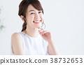 一個年輕成年女性 年輕 青春 38732653