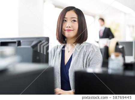 OL 여성 비즈니스 사무직 38769445