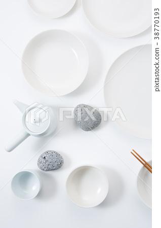 세라믹 접시와 식탁  38770193