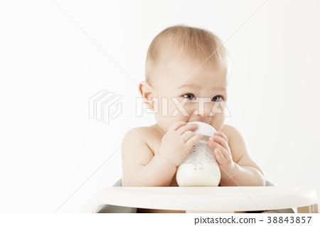 젖병,우유,아기의자,유아,베이비,아기 38843857