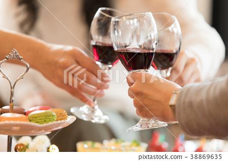 家庭聚會 葡萄酒 紅酒 38869635