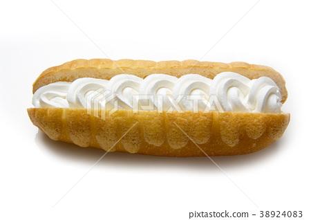 Cream bread 38924083
