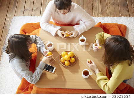 Kotatsu Girls Association 38925654